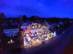 Christmas on Wendhurst (PHOTO: Daryl Watkins)